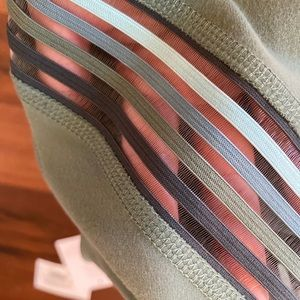 Beyond Yoga Pants & Jumpsuits - Beyond Yoga filament aloha green leggings